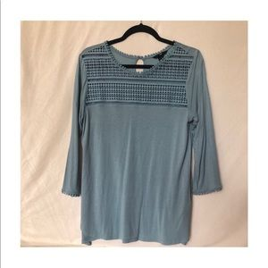 H&M quarter length sleeve shirt light blue size M